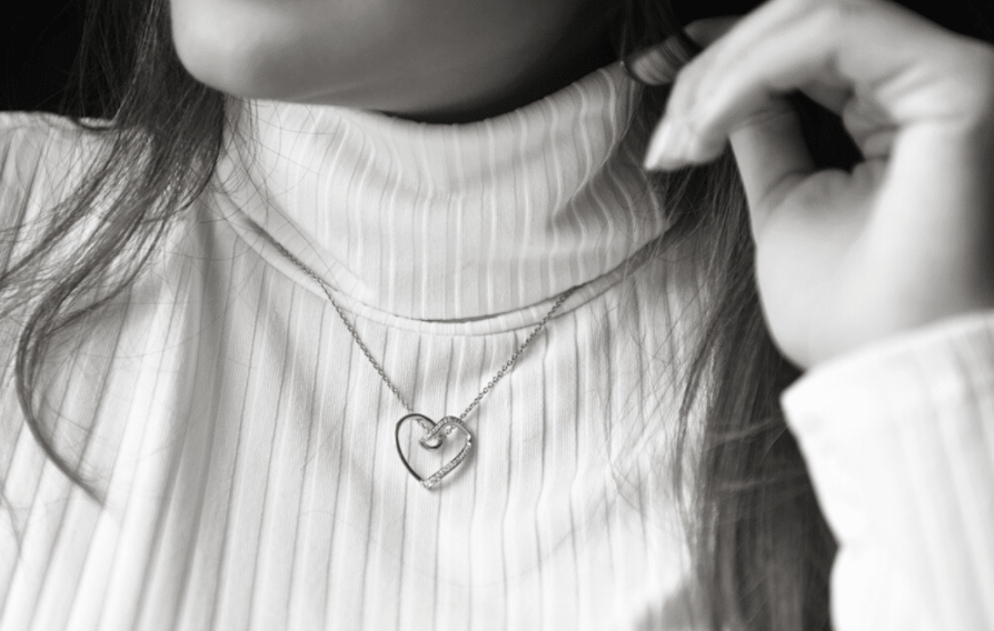 New Cool Pendant Designs to Add Dazzle to Neck